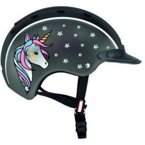 Helme und Protektoren